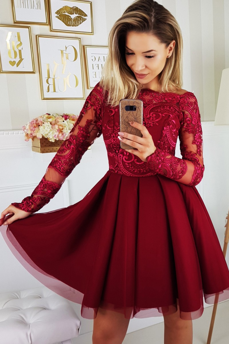 20fd1004fd35 Krátké šaty Tamara bordó