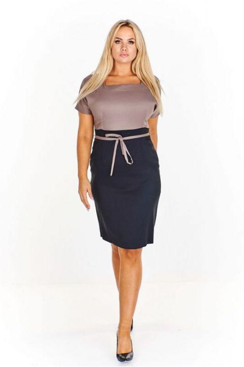 3dd6a525156 Elegantní pouzdrové šaty